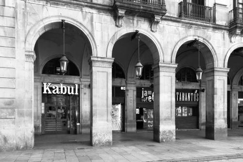 Plaça Reial, 17, Ciutat Vella, 08002 Barcelona, Spain.