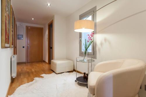 BizFlats Eixample Apartments photo 7