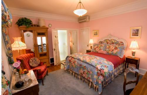 The Bissell House Bed & Breakfast Photo