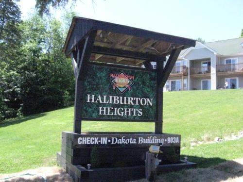 Getaways At Haliburton Heights - Haliburton, ON K0M 1S0
