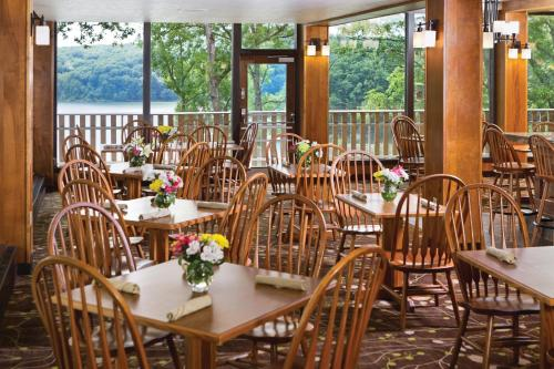 Burr Oak Lodge and Conference Center Photo