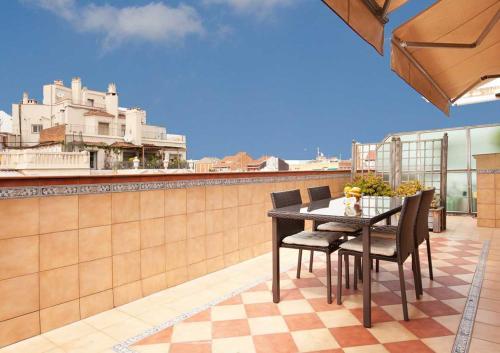 LetsGo Sagrada Familia Penthouse photo 4