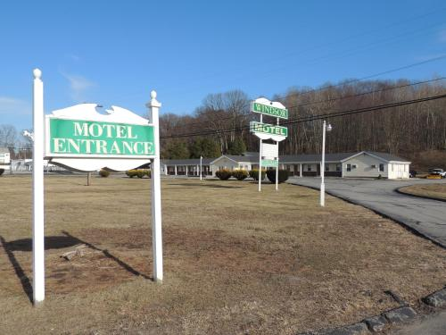 Windsor Motel - Groton, CT 06340