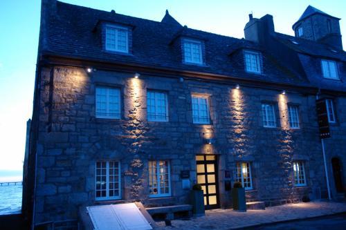 19 Place Lacaze Duthiers, Roscoff, 29680, France.