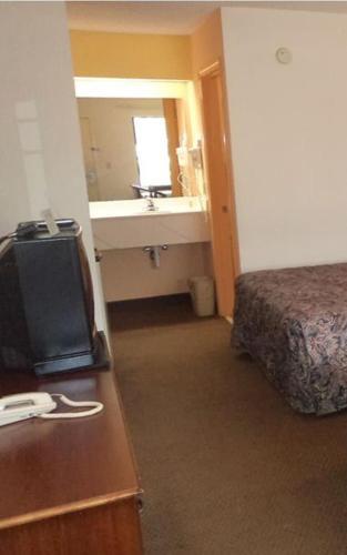 Amerivu Inn And Suites - Siler City