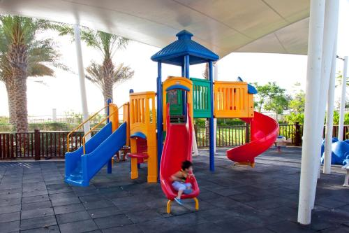Radisson Blu Hotel, Abu Dhabi Yas Island photo 11