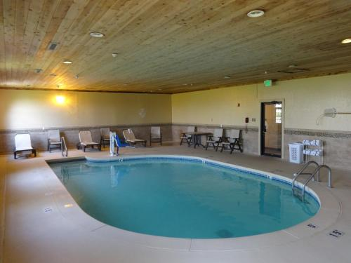Country Inn & Suites By Radisson Greenfield In - Greenfield, IN 46140
