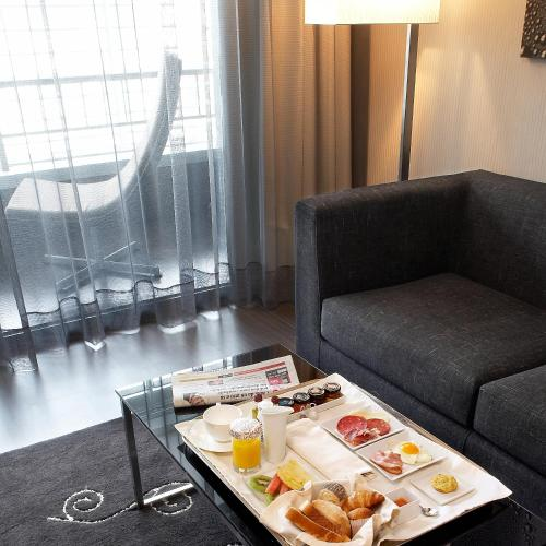 AC Hotel Victoria Suites, a Marriott Lifestyle Hotel photo 12