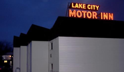 Lake City Motel Photo