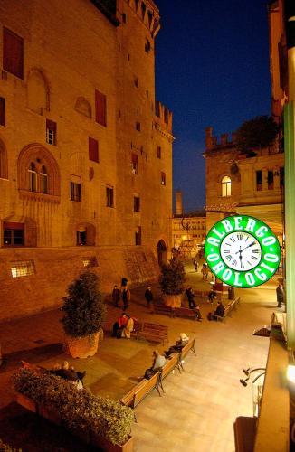 Via IV Novembre, 10, 40123 Bologna, Italy.