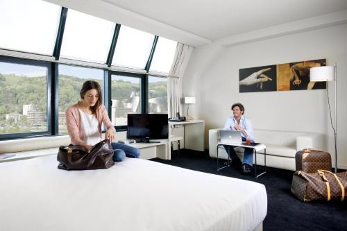 Suite Junior (1-2 adultos) Hotel Miró 13