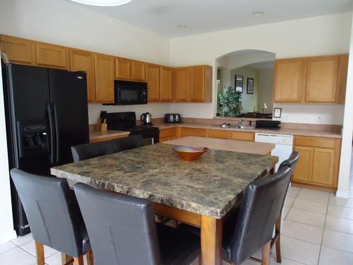 Orlando Vacation Rental Homes - Davenport, FL 32837