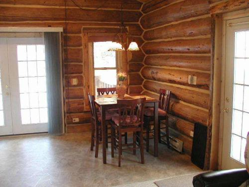 Renegade Log Cabin - Custer, SD 57730