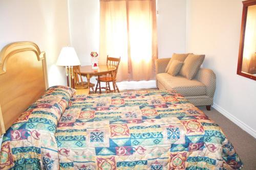 Tulip Motel - Woodstock, ON N4S 7V9