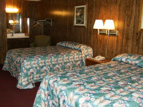 Super 7 Inn Cadiz - Cadiz, KY 42211