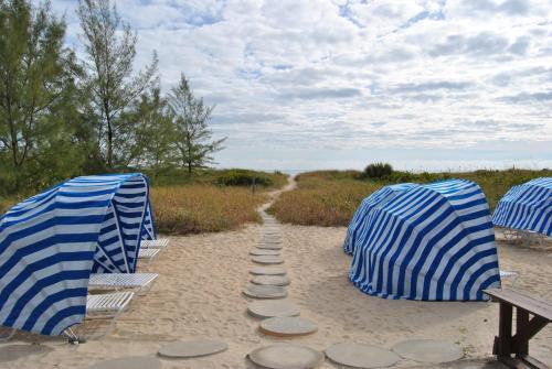 Sand Dune Shores by VRI Resort