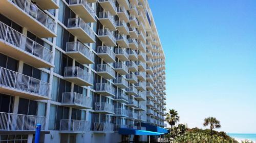Radisson Suite Hotel Oceanfront Photo