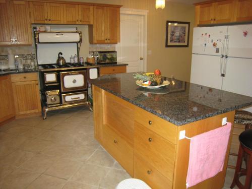 Kelowna Lakeview Cove Bed & Breakfast - Kelowna, BC V1Z 3P6