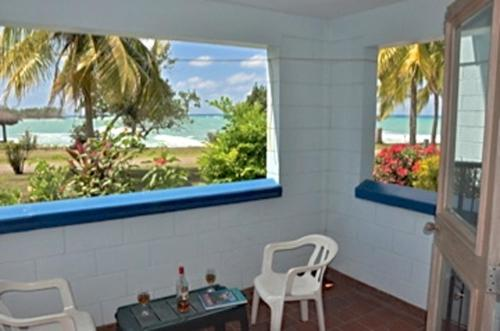 Carib Beach Apartments, Negril Photo