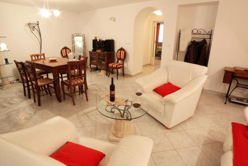 Apartment Antique Forum - Apartment Antique Forum In Croatia