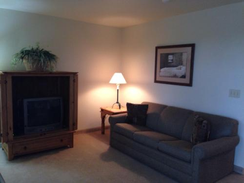All Suites Inn Budget Host - Lewisburg, PA 17837