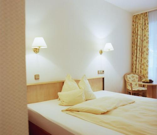 Hotel Rheinterrasse Benrath photo 3
