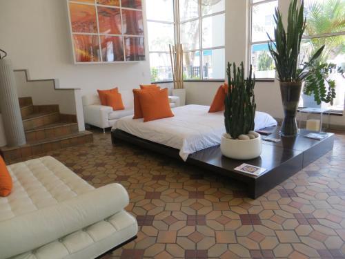 Nassau Suite Hotel - Miami Beach, FL 33139