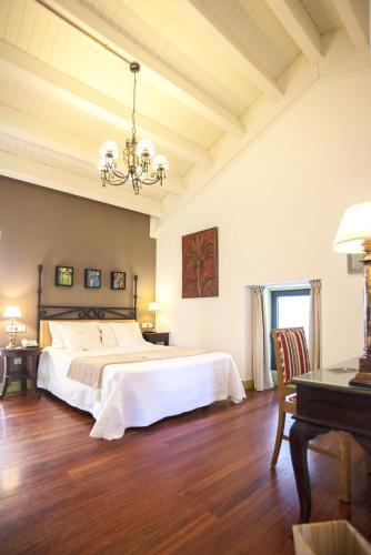 Habitación Doble Superior con terraza Hotel Quinta de San Amaro 13