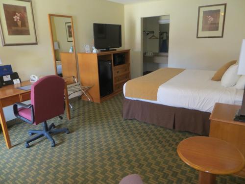 Red Coach Inn Photo