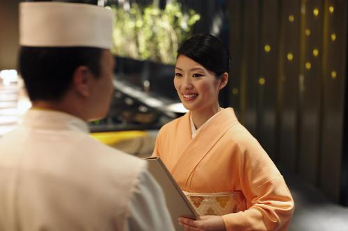 Shangri-La Hotel, Tokyo photo 3