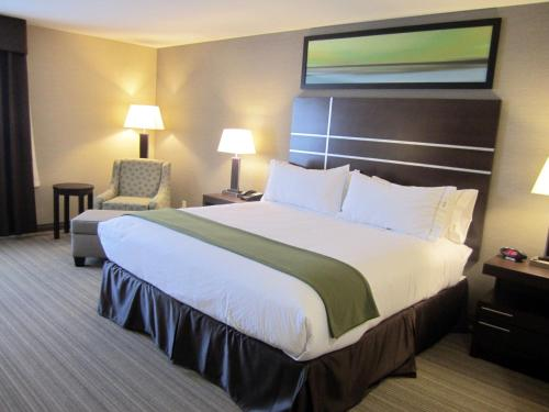 Holiday Inn Express Golden-kicking Horse - Golden, BC V0A 1H0