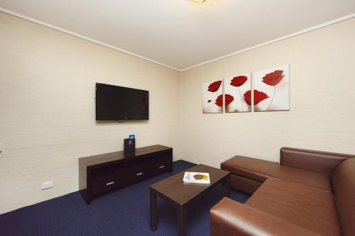 ibis Styles Canberra photo 2