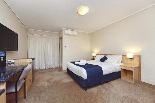ibis Styles Canberra photo 7