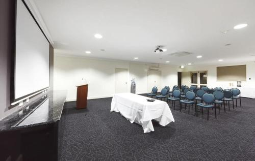 ibis Styles Canberra photo 8