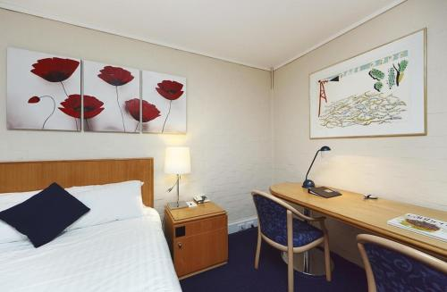 ibis Styles Canberra photo 33