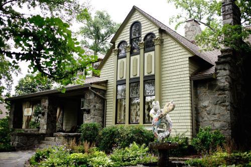 Stonehurst Place - Atlanta, GA 30309