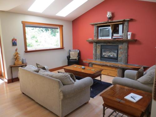 Tigh-na-clayoquot Vacation Rental