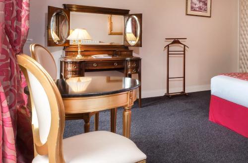 claridge hotel paris