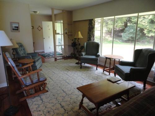 A Balsam House - Ucluelet, BC V0R 3A0