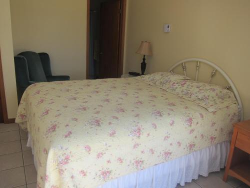 Summers Country Inn - Digby, NS B0V 1A0