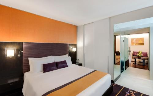 Radisson Suites Bangkok Sukhumvit photo 13