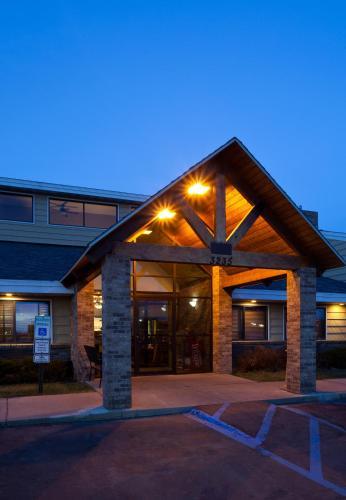 AmericInn Lodge & Suites - Bismarck Photo