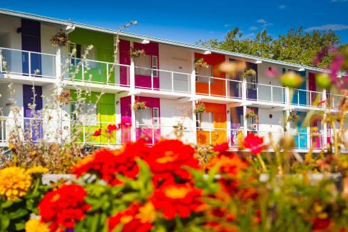 Hotel Zed - Victoria, BC V8Z 3K4