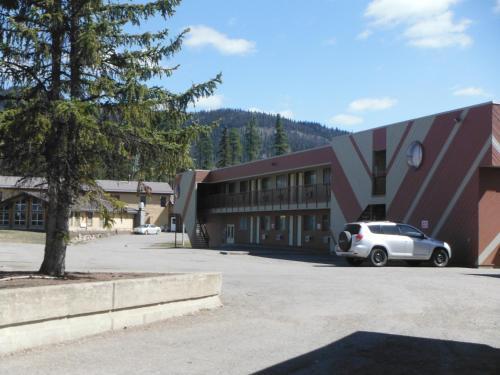 Tumbler Ridge Inn - Tumbler Ridge, BC V0C 2W0