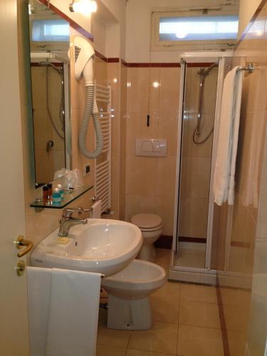 Hotel Adriatico photo 2