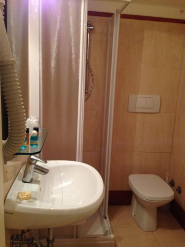 Hotel Adriatico photo 4