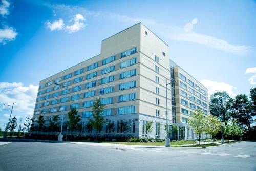 Lakehead University Residence and Conference Centre