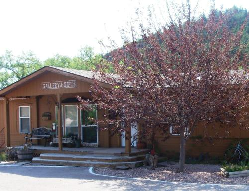 River Falls Lodging -black Hills South Dakota