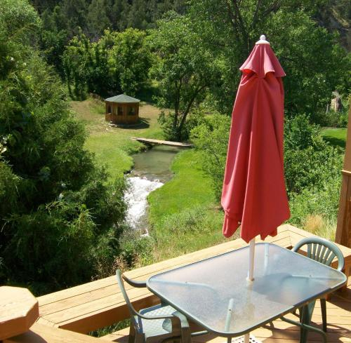 River Falls Lodging -black Hills South Dakota - Hot Springs, SD 57747