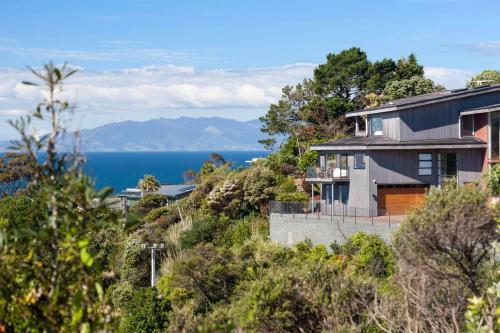 9 Great Barrier Rd, Oneroa, Auckland 1081, New Zealand.